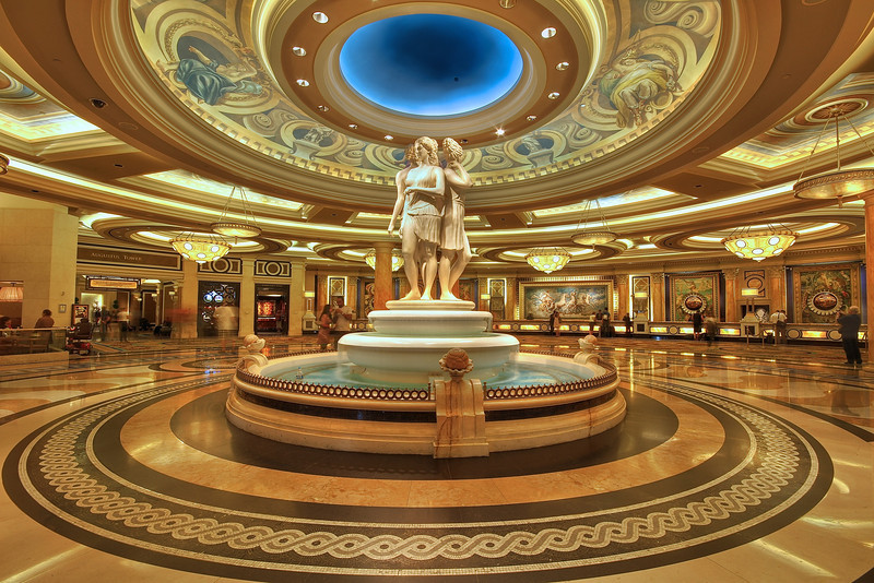 Top Hotels On the Las Vegas Strip - Vagabond Summer